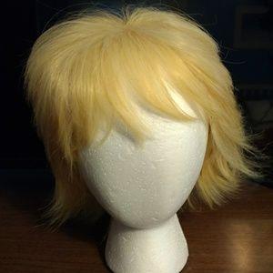 Accessories - NWOT Golden Blonde Wig